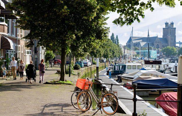 Stadsbeeld Dordrecht - Grote Kerk - Jachthaven - Zomers - Wijnhaven - Knolhaven